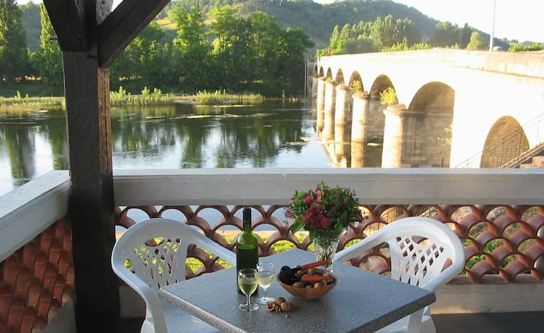 L'Escale, guesthouse on the River Dordogne