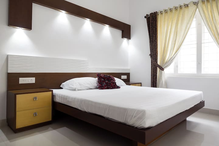Erackath Luxury Apartment behind Oberon Mall - Kochi - Appartement