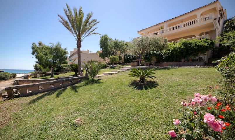 House very close to the beach - Cala Anguila-Cala Mendia - Dom