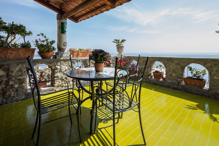 Villa at 200mtfrom the beach with terrace sea view - Praiano - Rumah
