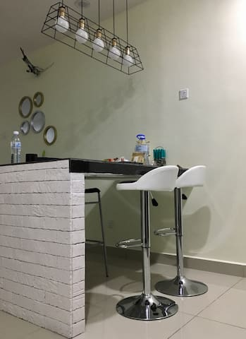Dining table / counter