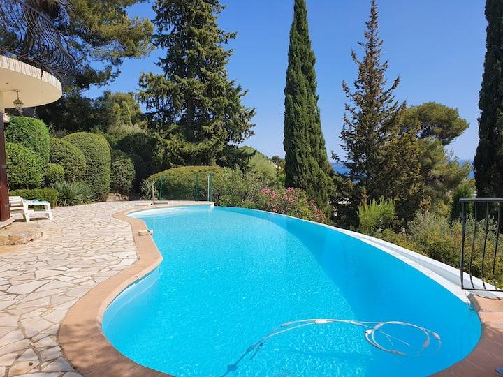 Villa climatisée vue mer avec piscine