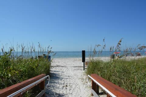 Retreat @ the Beach Room 1