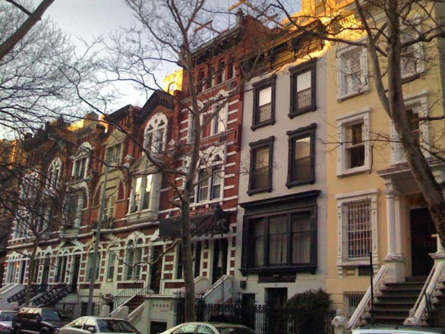 Private studio museum block uws townhouses for rent in for Townhouse for rent nyc