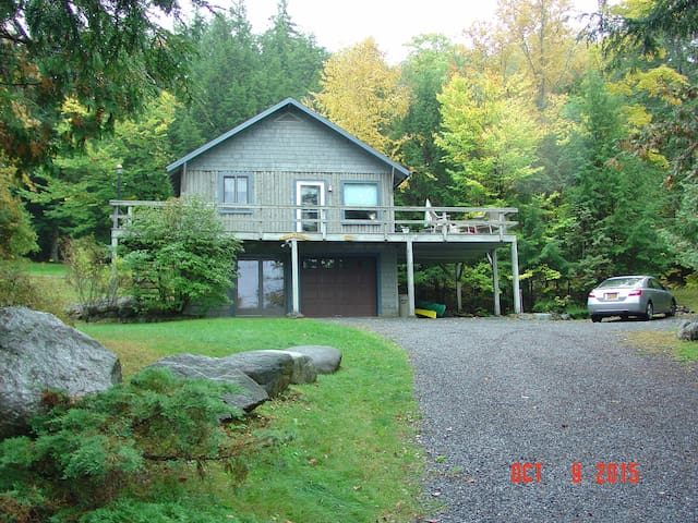 Cottage w beach, lake & mtn views - Adirondack - Blockhütte