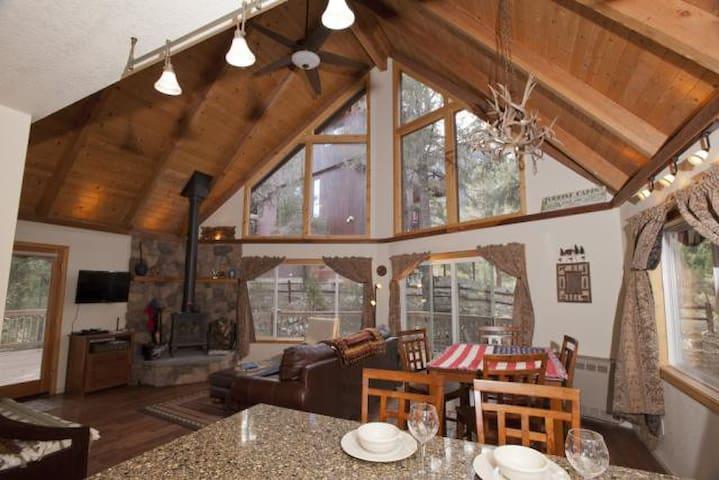 A Little Bit Of Heaven Mtn. Cabin - Pine Mountain Club - Cabin