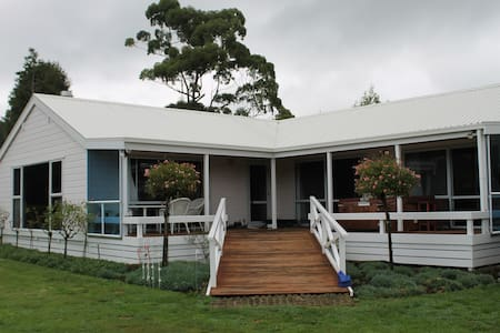 Golden Valley Retreat - Waihi