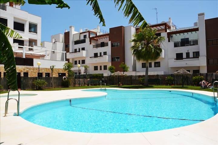 Centrally located in La Cala, room for 5