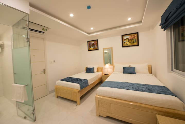 Hanoi Holiday, triple,BF& AC,private bathroom