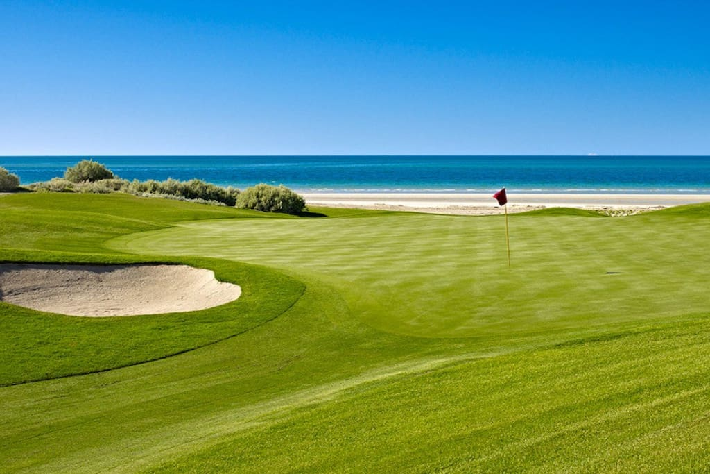 Enjoy a day on the Nicklaus designed course situated along the Sea of Cortez.