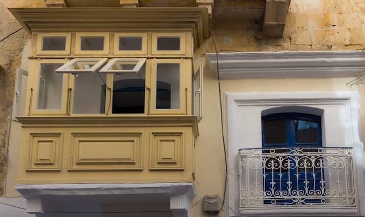 Valletta 2 bedrooms maisonette