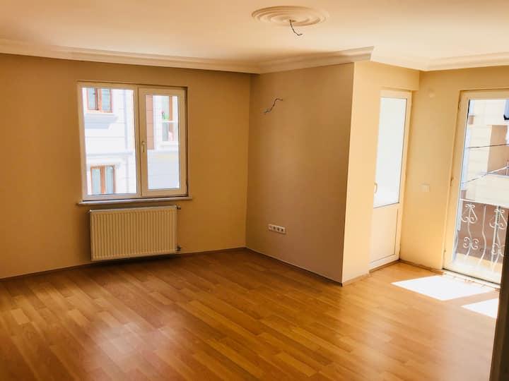 4.levent 2+1 apartment 2 bath, 100m2 for rent