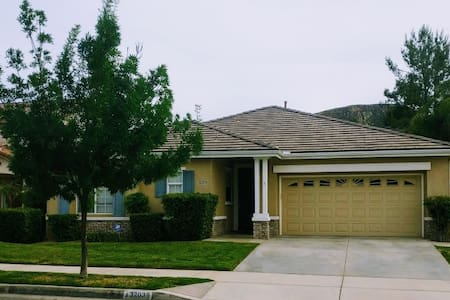 Canyon Hills Retreat - Lake Elsinore