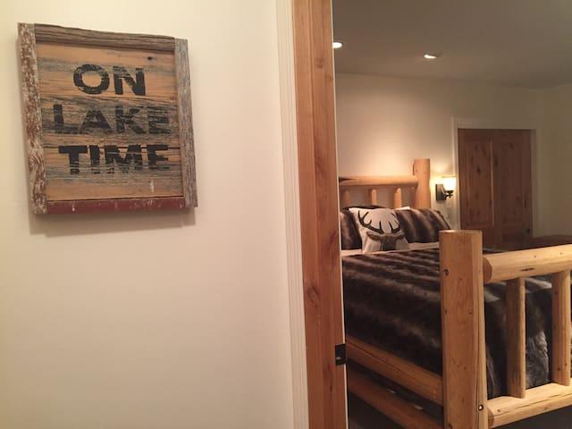 Whispering Pine Family Getaway - Stateline - House