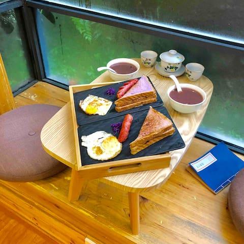 佛系双人床(Double bed breakfast)私人影院,免费借取汉服拍照——轻风微醉