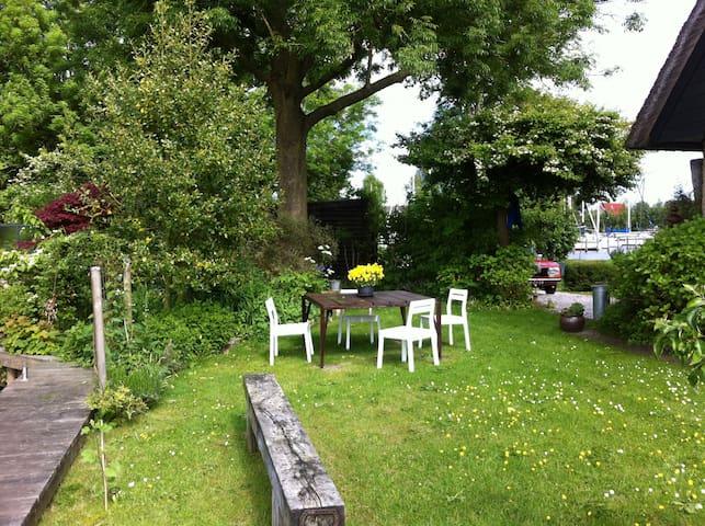 Vakantievilla aan Sneekermeer - Goingarijp - House