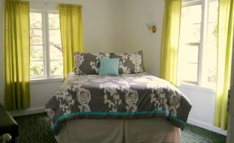 Roomy Home,Close to Del Monte Ctr.! - Monterey - Dom