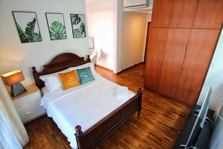 Comfy Private Suite 302 @ City