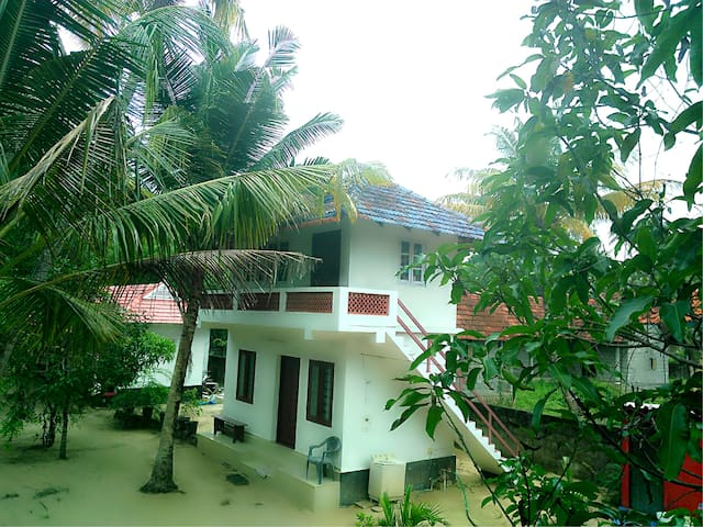 Achayans Homestay Cottage top Ac