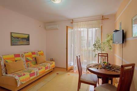 Vila Kunjic - Nice Apartment No.1. - Budva - House