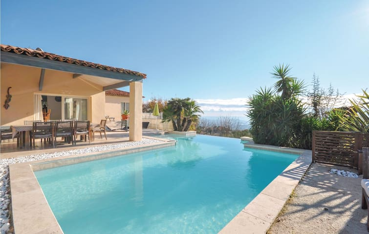 Holiday cottage with 3 bedrooms on 120m² in Cabris
