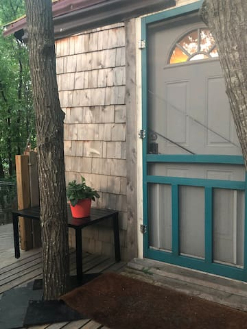 Adorable front door entrance to the Choctaw Treehouse