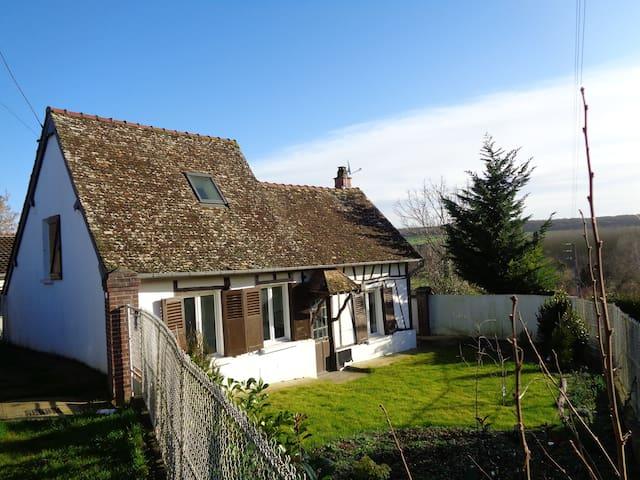 Charmante maison au style Normand - Bazincourt-sur-Epte