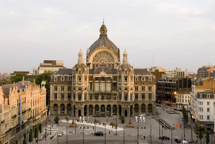 Fortunia I Central Station