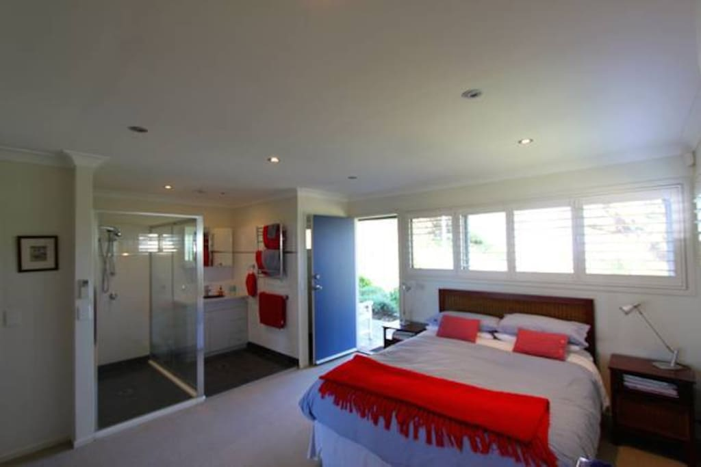 Main bedroom with ensuite and separate loo