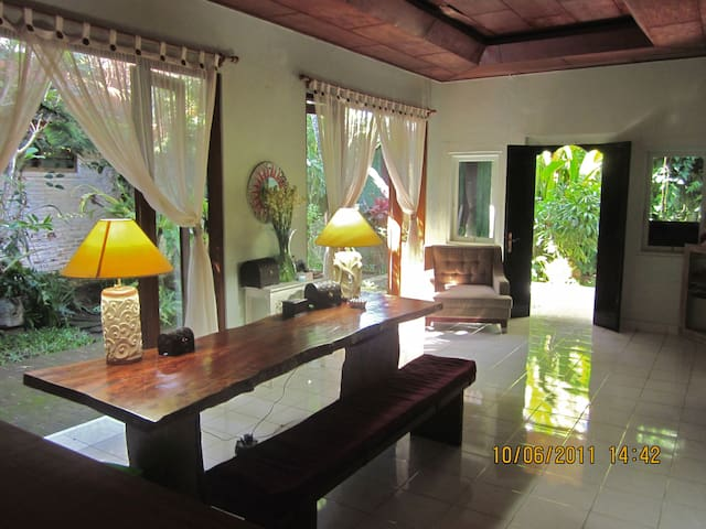 Secluded villa in the heart of Kuta - Kuta