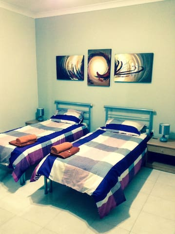 Modern 2 bedroom central apartment - St. Paul's Bay - Lejlighed