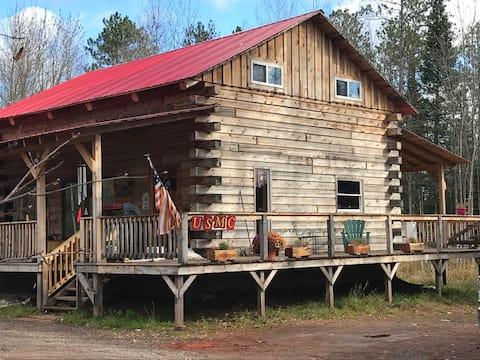 Beautiful New Log Cabin in Northern Wisconsin