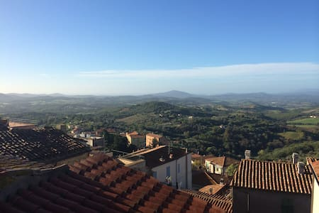 Lovely 2 bedroom apartment with stunning view. - Manciano - Wohnung