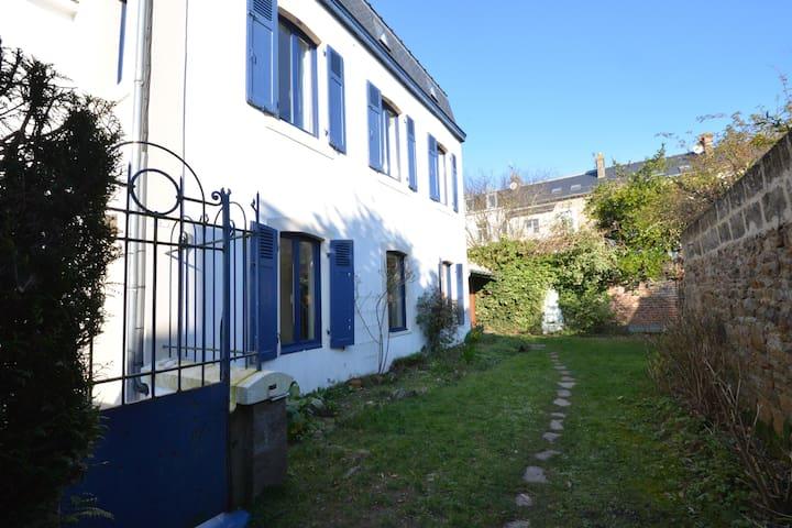 Belle maison 2 mn à pied de la plage du Sillon