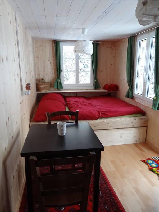 gemütliches, kuschliges Doppelbett