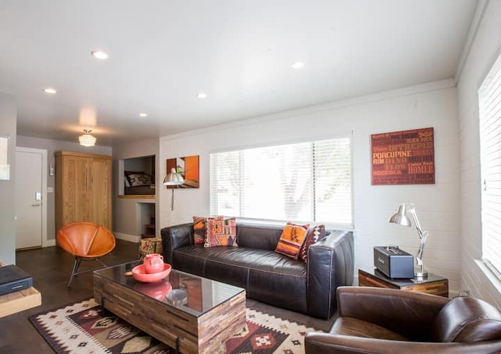 Time to get away! Mid Century Modern on Main. Your Perfect Moab Getaway Starts Here - Moab Flats #5