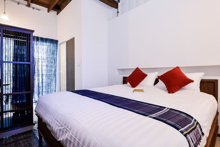 #102 Comfy Stay in Bangkok Old Town