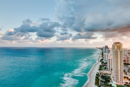 Luxury 2/2 condo with an amazing view on the Bay ! - Sunny Isles Beach