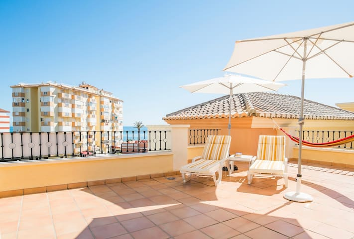 A PENTHOUSE+SOLARIUM BY THE BEACH - Torrox - Apartment
