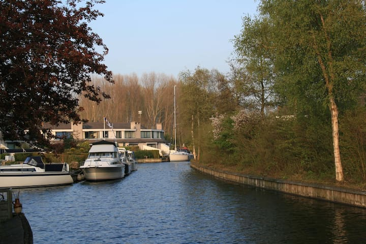 House next to waterfront; 6 p. - Lemmer - Casa