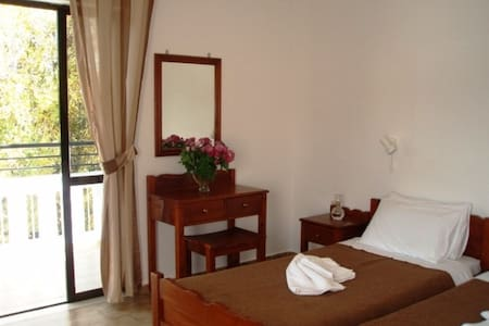 Studio 200m from the sandy beach & tavernas! - Kalyves
