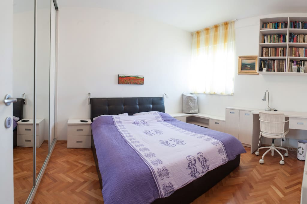 Unit 1 - Bedroom (double bed)