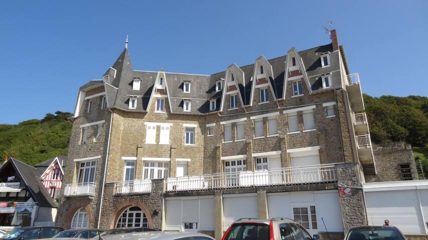 Carolles plage porte du  Mont St Michel 50m mer - Carolles - Apartamento