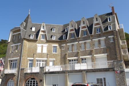 Carolles plage porte du  Mont St Michel 50m mer - Carolles