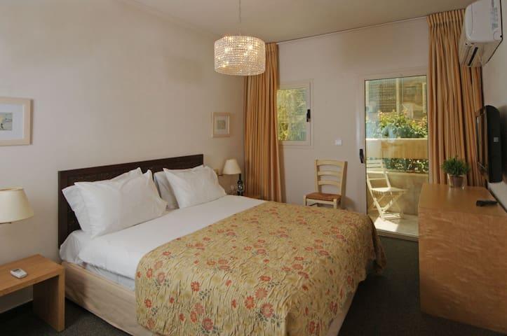 Junior Suite - Tel Aviv - Bed & Breakfast