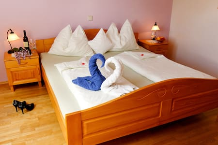 Double Room - Bed & Breakfast - Leibnitz