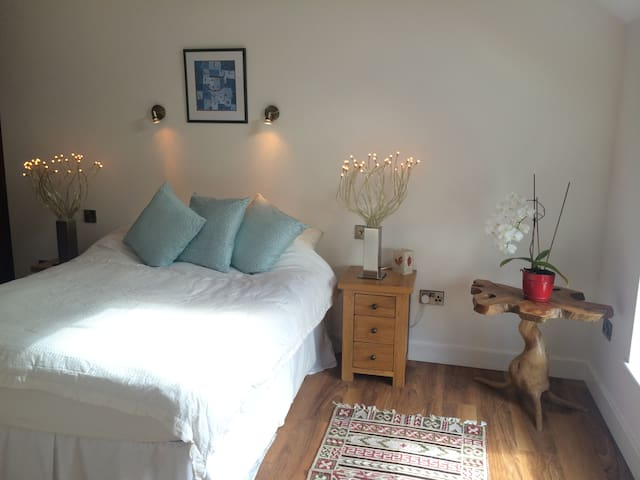Double bedroom with own bathroom  - Burton upon Trent
