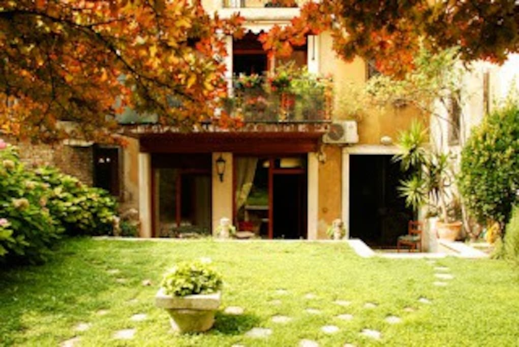 Confortable appartement avec jardin appartements louer for Appartement a louer avec jardin bruxelles