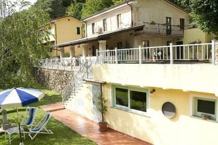Casolare con piscina e sauna - Seravezza