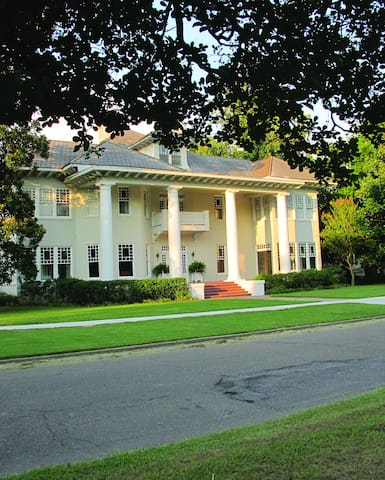 Hotels Airbnb Vacation Rentals In Greenville Mississippi Usa